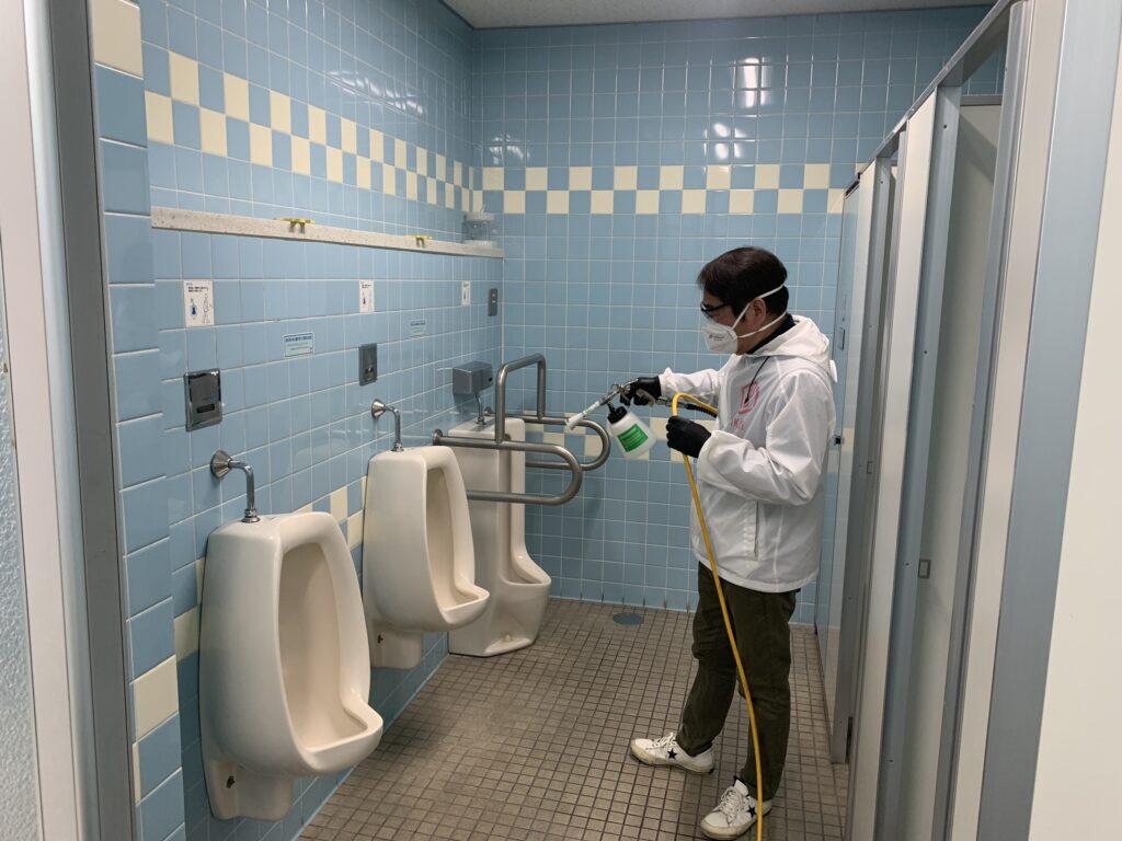 大阪市阿倍野区役所庁舎トイレへの光触媒コーティング