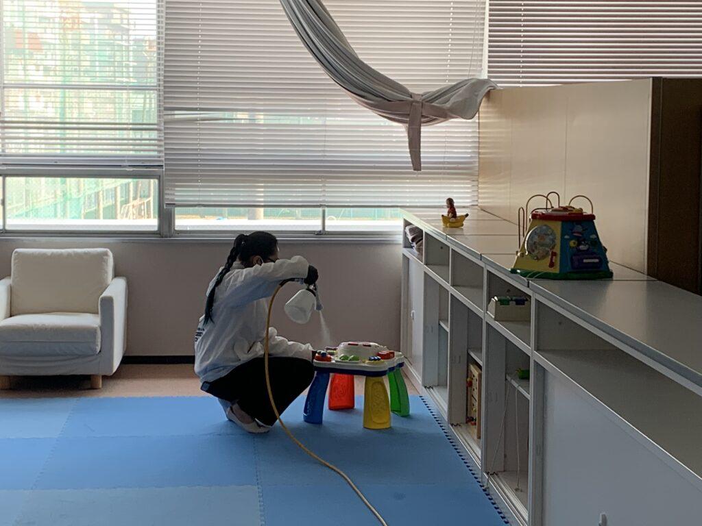 大阪市阿倍野区役所庁舎おもちゃに光触媒コーティング