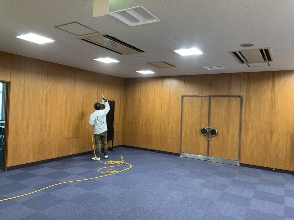 大阪市阿倍野区役所庁舎会議室に光触媒コーティング
